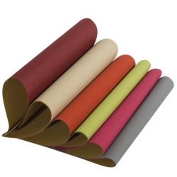 Farbenfrohes Recycling-Geschenkpapier